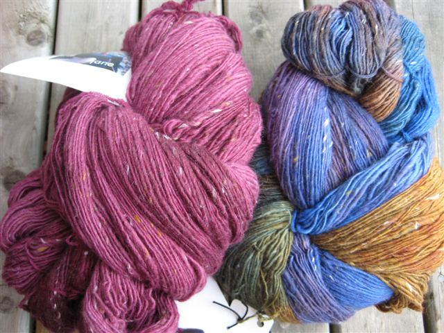 Handmaiden Ottawa in 2 shades, to make a sweater for ME!